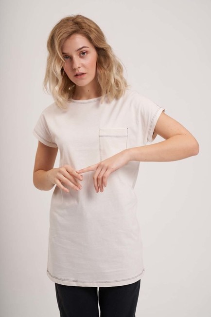 Mizalle - Cep Detaylı Basic T-Shirt (Ekru)