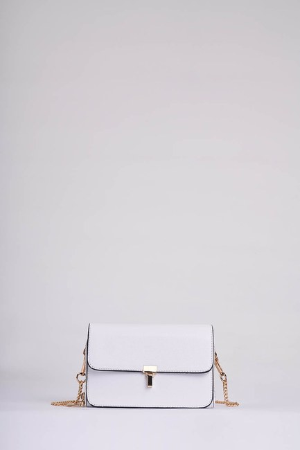 Mizalle - Chain Strap Shoulder Bag (White) (1)