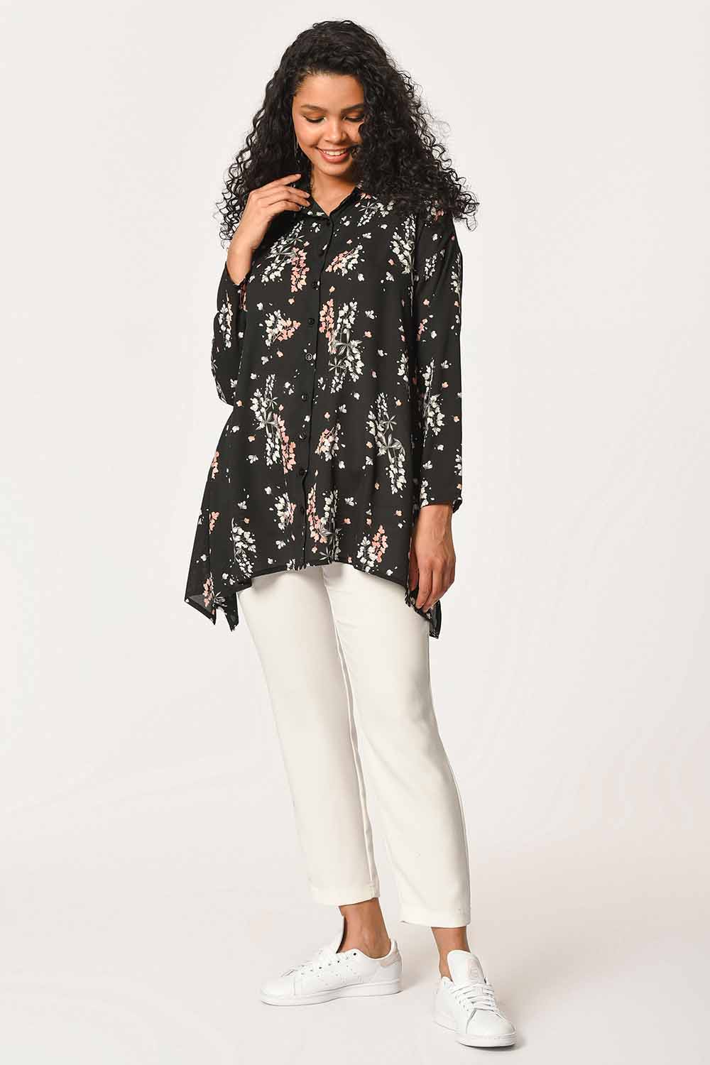 MIZALLE Floral Patterned Shirt Blouse (Black) (1)