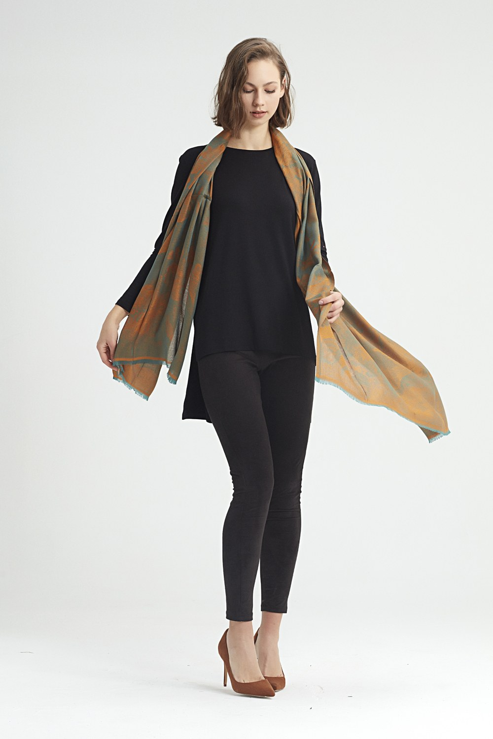 MIZALLE Flower Patterned Shawl (Green) (1)