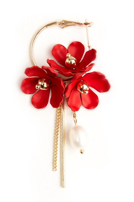 MIZALLE Flower Detailed Hoop Earrings (Red)