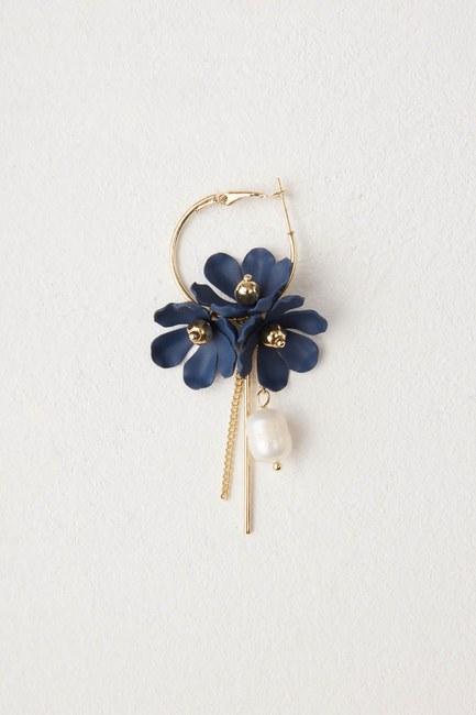 MIZALLE - Çiçek Detaylı Halka Küpe (Lacivert) (1)