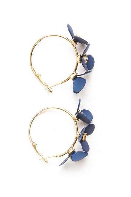 MIZALLE - Flower Ring Shaped Earrings (Navy Blue) (1)