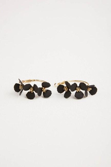 MIZALLE Çiçekli Halka Küpe (Siyah)