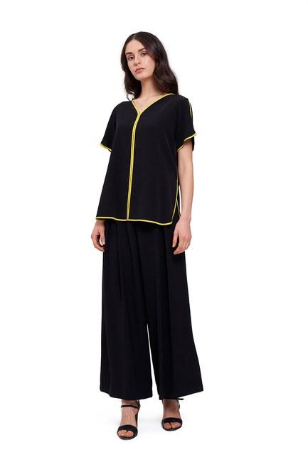 Mizalle - Çizgi Biyeli Bluz (Siyah)