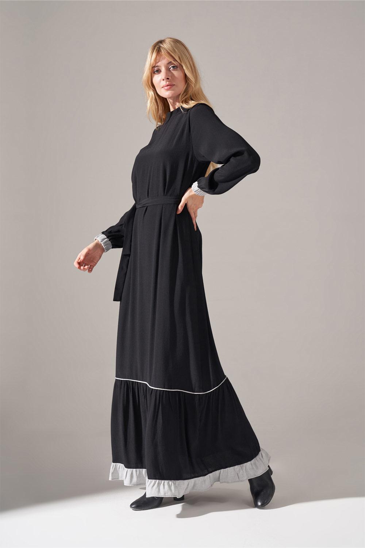 Çizgi Fırfır Detaylı Siyah Maroken Elbise