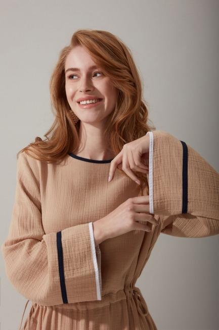 Beli Büzgülü Uzun Bej Elbise - Thumbnail