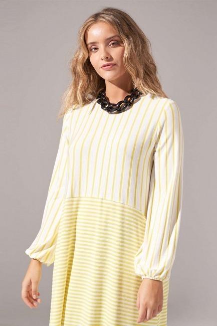 Mizalle - Çizgi Parçalı Örme Sarı Elbise