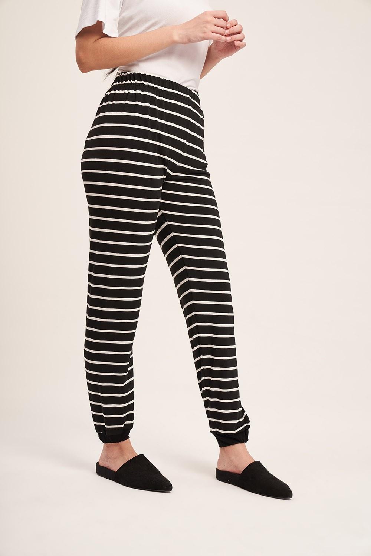 Çizgili Kaşkorse Pijama Takımı (Siyah)