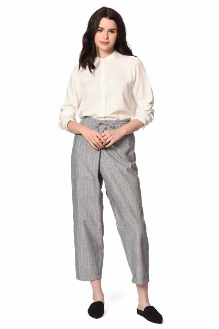 MIZALLE Çizgili Parça Detaylı Pantolon (Gri)