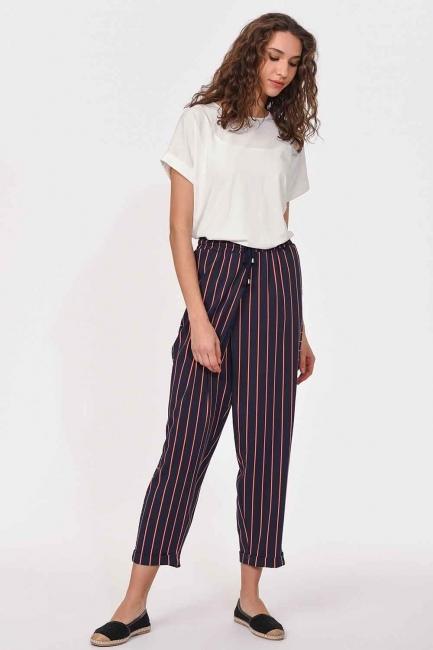 MIZALLE - Çizgili Parça Detaylı Pantolon (Lacivert) (1)