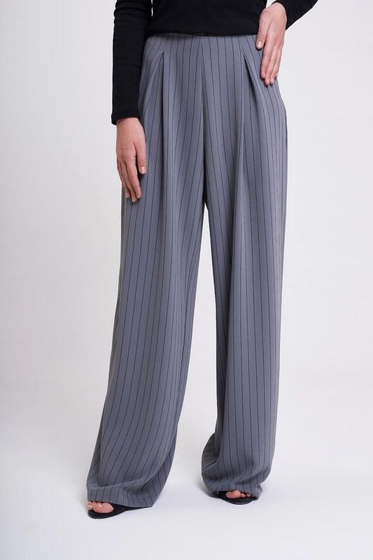 Çizgili Pileli Bol Paça Pantolon (Gri)