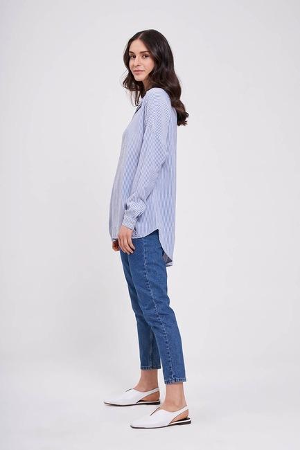 Mizalle - Çizgili Yakalı Gömlek Bluz (Mavi)