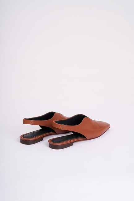 MIZALLE - Closed Toe Shoes (Tan) (1)
