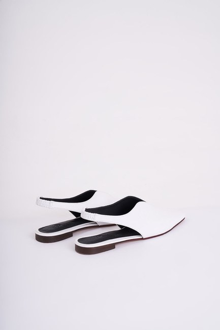 Mizalle - Closed Toe Shoes (White) (1)