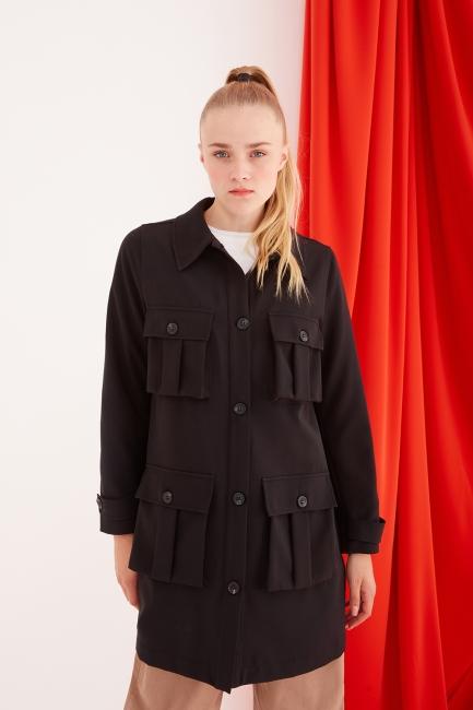 Mizalle - Çok Cepli Siyah Uzun Ceket