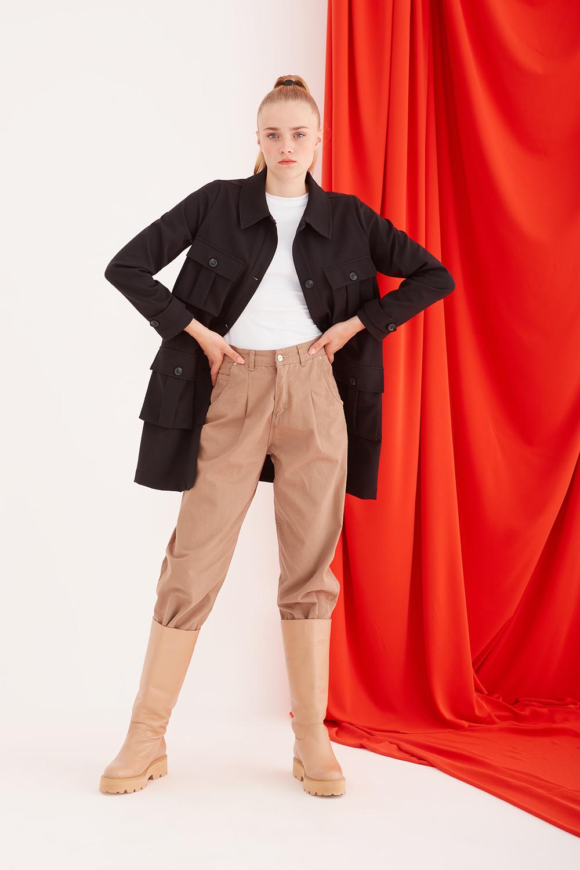 Çok Cepli Siyah Uzun Ceket