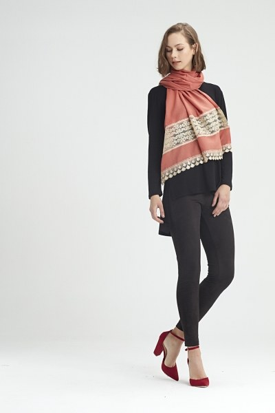 MIZALLE - Lace Detailed Shawl (Salmon) (1)