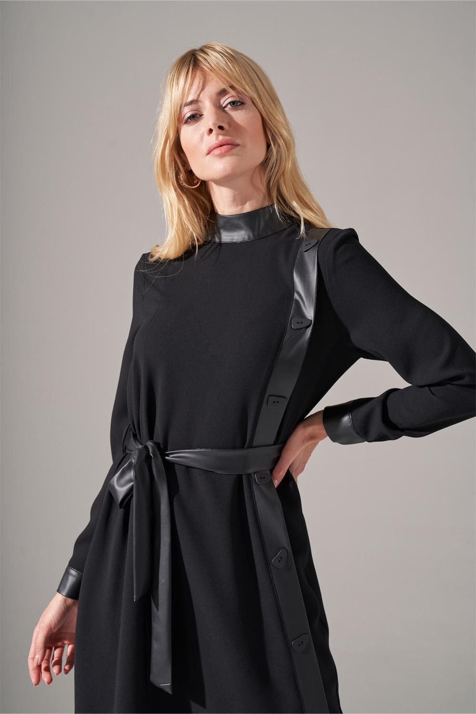 Deri Şeritli Siyah Krep Elbise