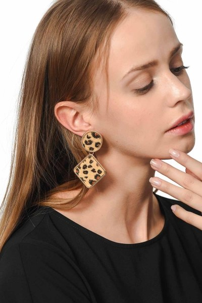MIZALLE Patterned Square Earrings (Mink Color)