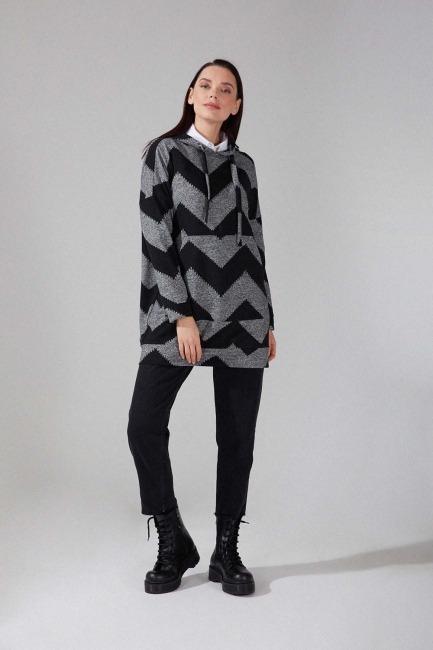 Mizalle - Desenli Örme Sweatshirt (Siyah/Gri)