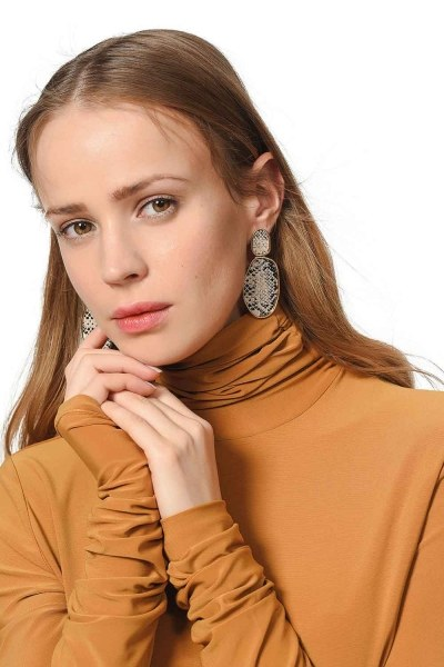 MIZALLE Patterned Oval Earnings (Mink)