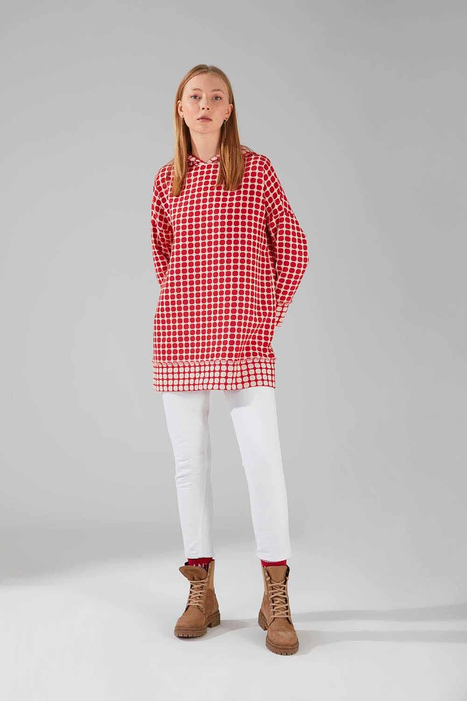 Mizalle - Desenli Püsküllü Sweatshirt (Kırmızı)