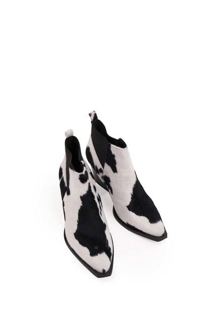 MIZALLE - الأحذية فروي منقوشة (أسود / أبيض) (1)