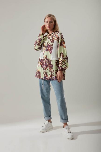 Mizalle - Printed Hoodie Sweatshirt (Colored)