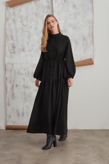 Mizalle - Dik Yaka Fırfır Detaylı Siyah Uzun Elbise
