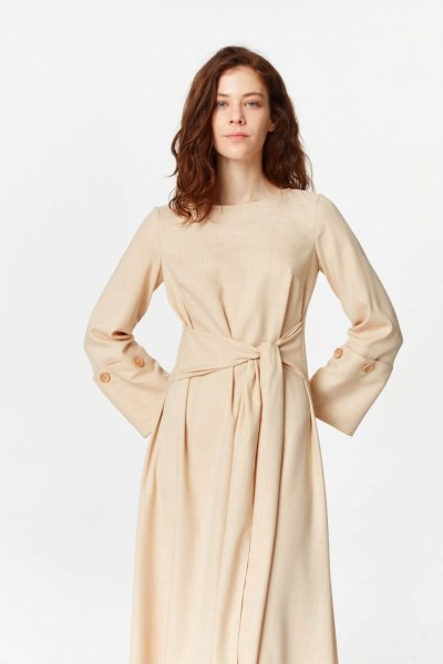 MIZALLE - فستان مع زر بالاكمام (البيج) (1)