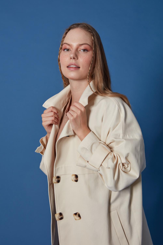 Düğmeli Pamuklu Bej Ceket