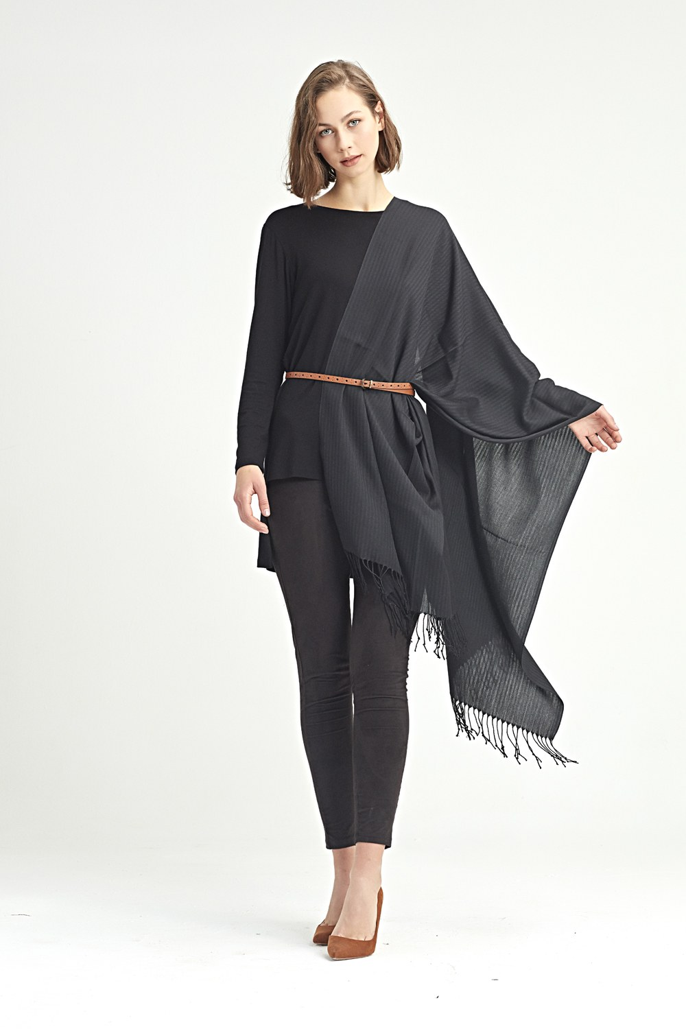 MIZALLE Plain Shawl (Black) (1)