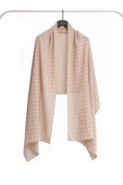 MIZALLE Plaid Shawl (Beige)