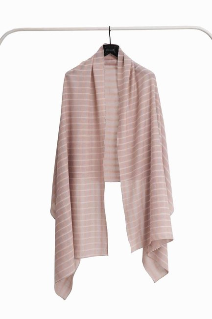 MIZALLE Plaid Shawl (Mink)