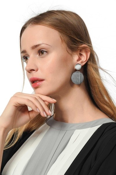 Plaid Patterned Oval Earrings (Grey) - Thumbnail