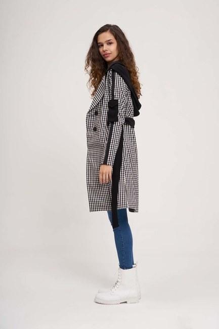 MIZALLE - معطف واق من المطر منقوش (أسود / أبيض) (1)