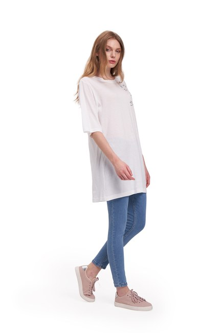 Mizalle Youth - Embroidery T-Shirt (White) (1)