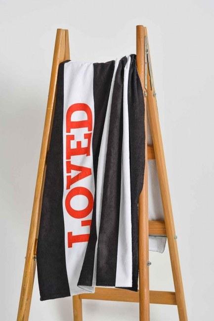 Mizalle Home - Beach Towel (Loved)