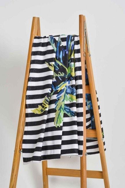Mizalle Home - Beach Towel (Palm)