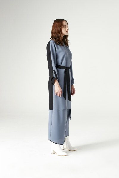 Mizalle - Bicolored Tunic (Indigo)
