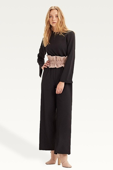 Mizalle - Fabric-Belt Detailed Jumpsuit (Black)