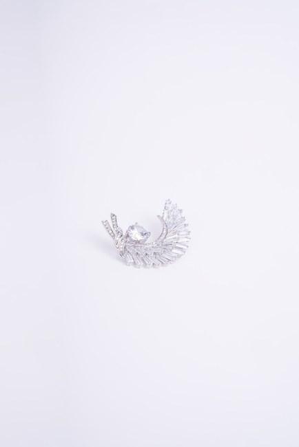 Mizalle - Feather Detailed Brooch (Grey)
