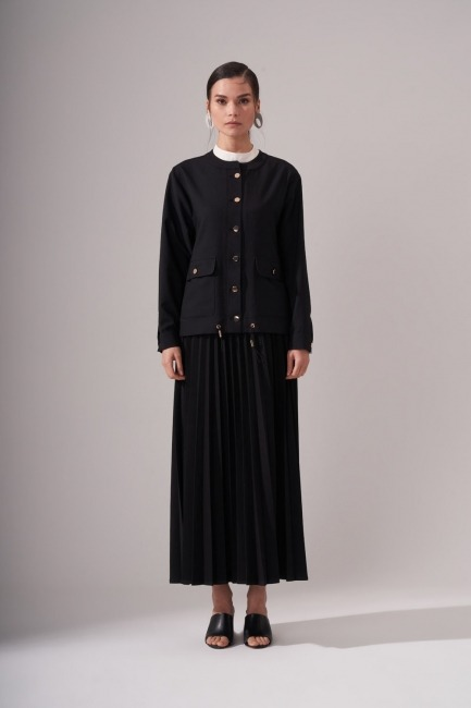 Mizalle - Gold Button Crepe Jacket (Black)