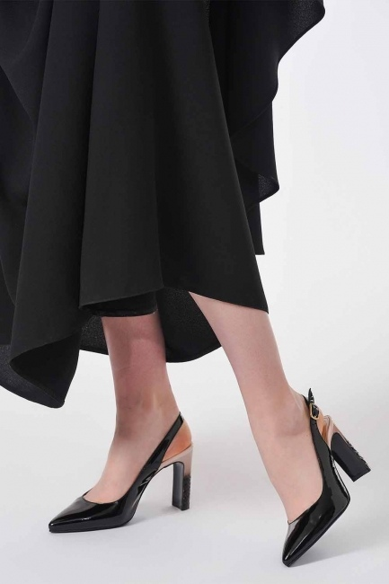 Mizalle - Heeled Patent Leather Shoes (Black/Powder)