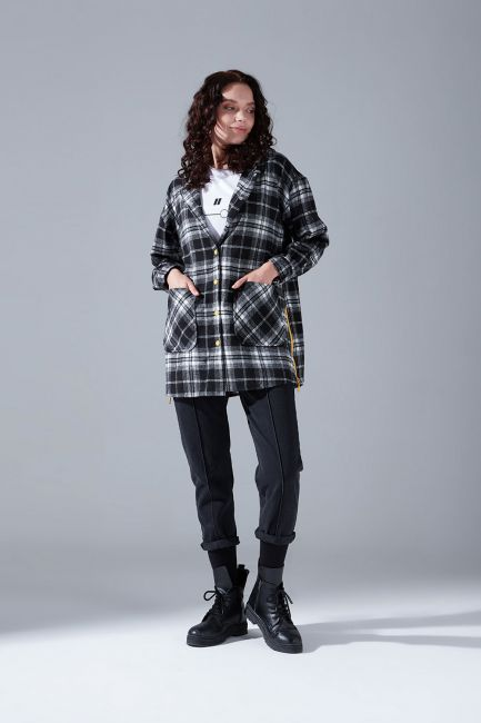 Mizalle - Hooded Plaid Shirt Jacket (Black-White)
