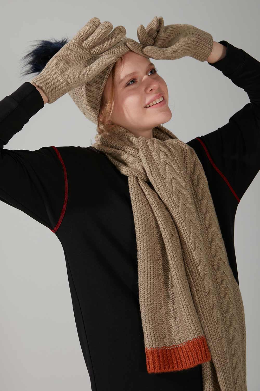 Mizalle - Knit Scarf Gloves Beanie Set (Sandy)