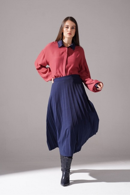 Mizalle - Knitted Crepe Pleated Skirt (Navy Blue)