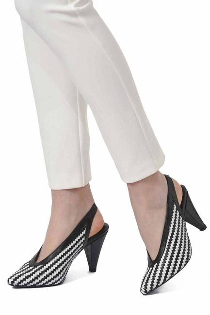 Mizalle - Knitted Detailed Leather Shoes (Black/White)