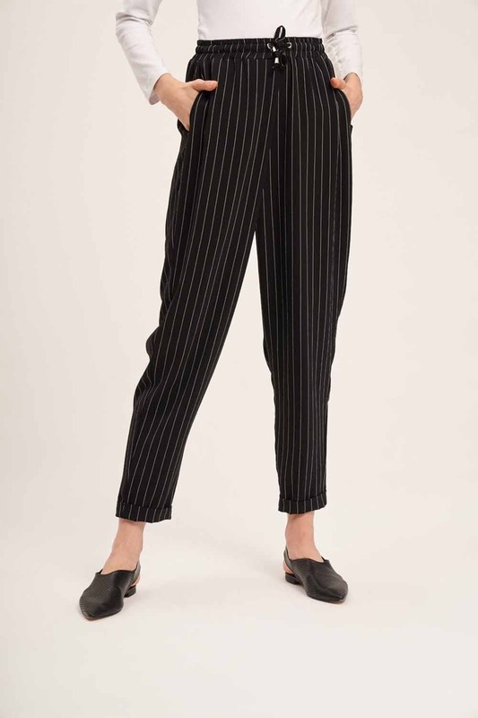 Lace-Up Striped Trousers (Black)